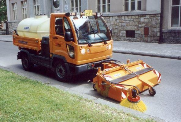 Prodej a výroba strojů pro údržbu vozovek, SIMED s.r.o.