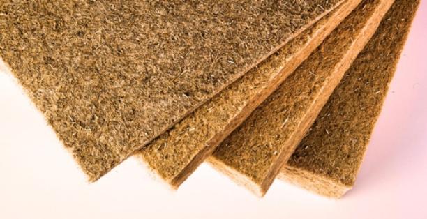 Izolace konopnými deskami KOBE ECO HEMP PANEL dovolí domu dýchat