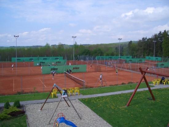 �sp�n� tenisov� kari�ra za��n� ve SPORT KLUBU Mladcov�