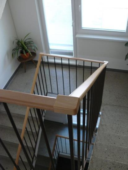 Bezpečná dřevěná madla - FK dřevěné lišty