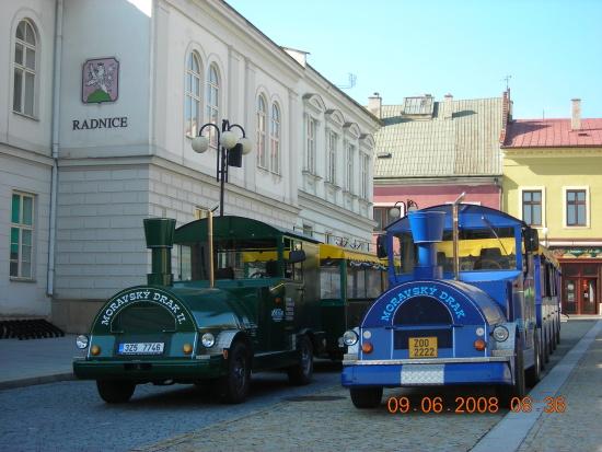 Jízda vláčkem přináší netradiční zážitky i detailní prohlídku měst Olomouc, Luhačovice a Hodonín