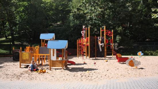 HAGS Praha: dětská hřiště, multifunkční hřiště, lanové dráhy