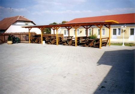 Restaurace, vinný sklep, penzion U Hiclů, Velké Pavlovice