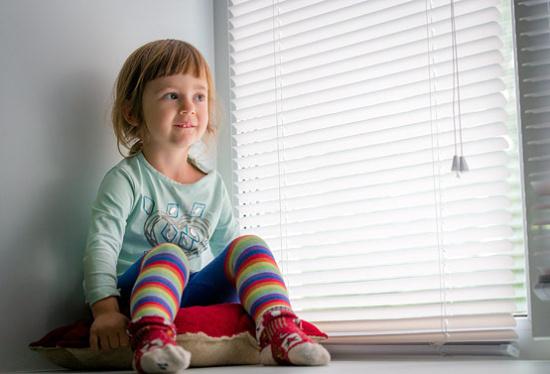 ISOTRA a.s., Opava: žaluzie a rolety nesmí být nebezpečné pro děti