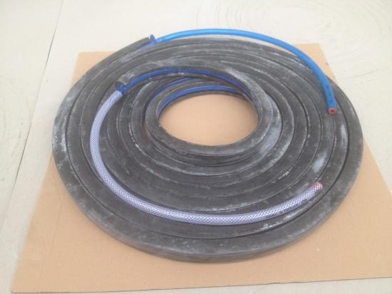 Bentonitové tesnící pásky s injekt. hadickou, MEDIUM INTERNATIONAL I. s.r.o., Most
