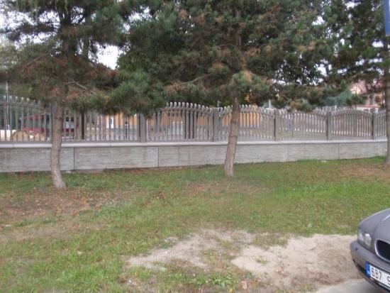 Betonové ploty a další betonové výrobky od českého výrobce na klíč, Harašta