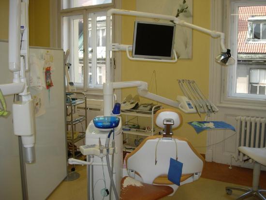 Prague City Dental, Praha 1: zubní kaz bez vrtání