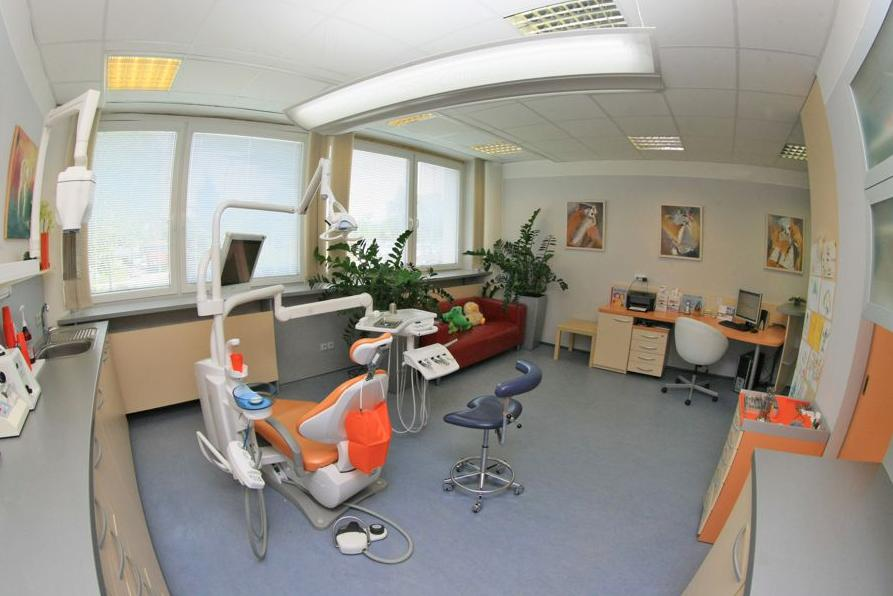 titanový zubní implantát - Zubní klinika Rafael Chajrušev