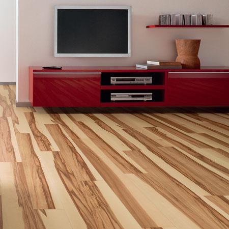 Pokládka podlahy vyžaduje pečlivost, přesnost a odborné zacházení