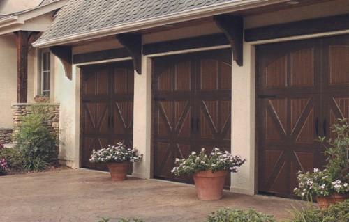 Kontrolu nad bezpečím vašeho majetku zajistí i garážová vrata či kvalitní vjezdové brány