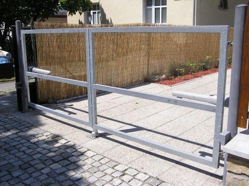 CEMA MORAVIA, s.r.o., Zlín, garážová vrata, vjezdové brány