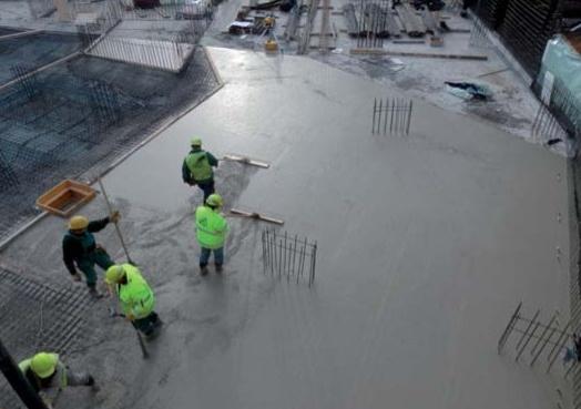 """Oceněný beton pro """"bílé vany"""", Praha"""