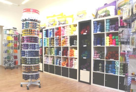 Bytový textil a textilní galanterie s téměř 8000 skladovými položkami