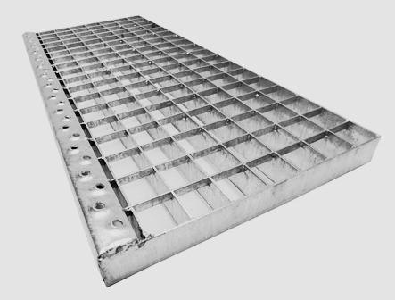 Ocelové regálové i podlahové rošty a schodišťové stupně – kompletní servis a dodávka