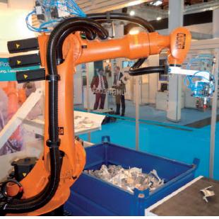 Bin Picking - selezione di oggetti dalla cassa tramite il robot guidato dalla camera 3D