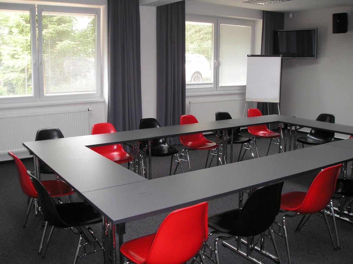možnost pořádání konferencí a kongresů