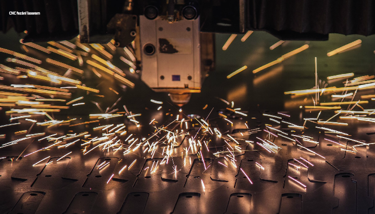 Kovov�roba se v��m v�udy - CNC, robotick� sva�ov�n� i pr�kov� lakovna na jednom m�st�