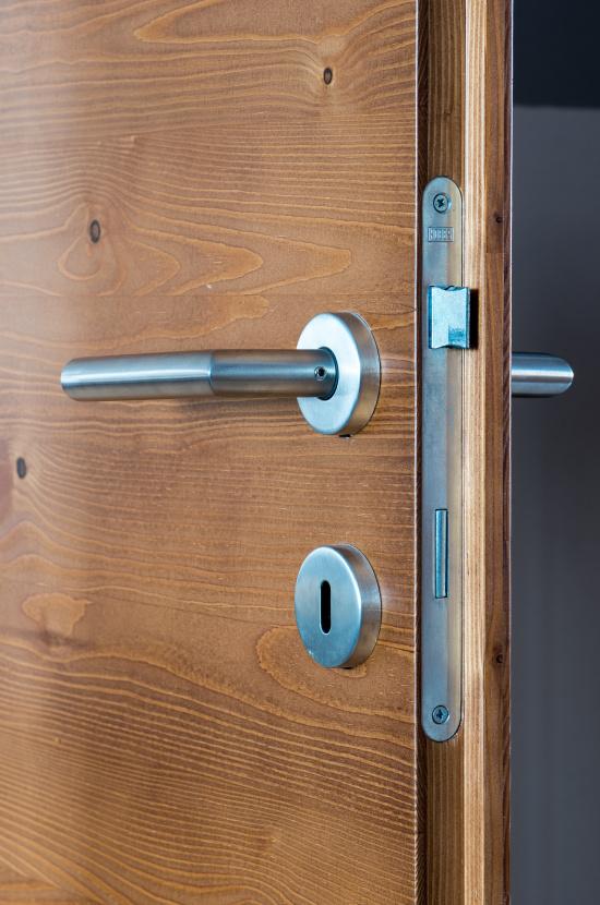 Dřevěné dveře, TRONET, spol.s r.o.