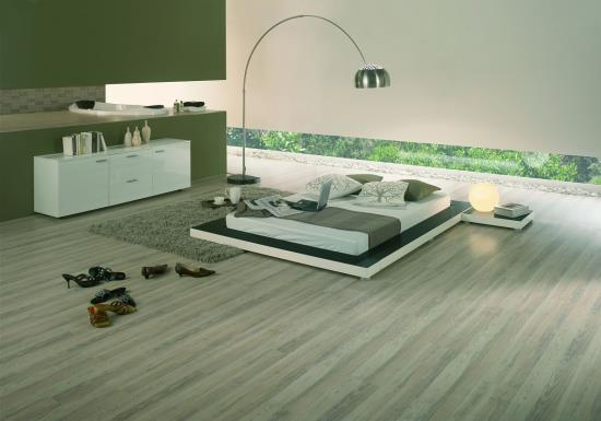 PVC podlahy, laminátové podlahy, dřevěné podlahy i koberce – u firmy FRANC si vybere každý
