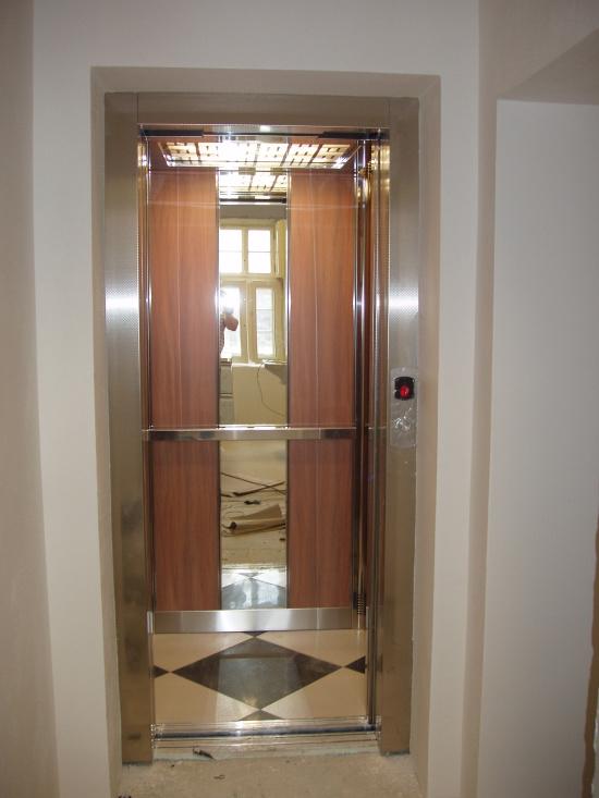 Hydraulická plošina, výtah, VÝTAHY SILESIA s.r.o.
