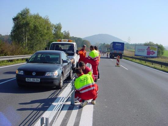 Proznak - dopravn� zna�en� v�m ud�l� na cest�ch jasno