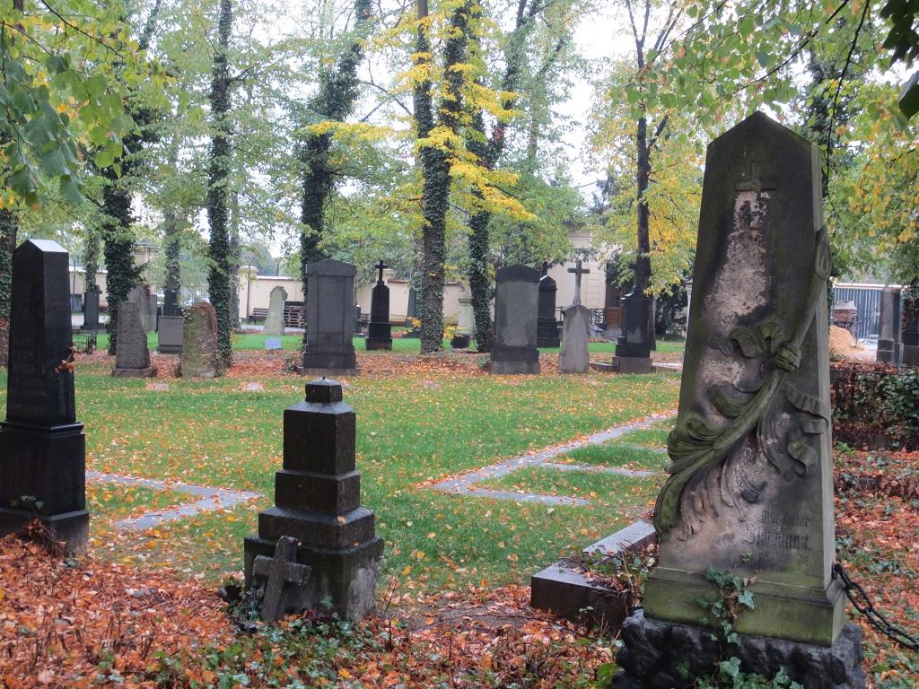 Hřbitov ve Strašnicích