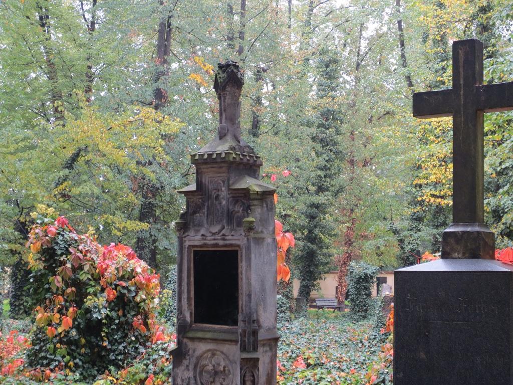 Hřbitov Strašnice -varianta vsypu popela
