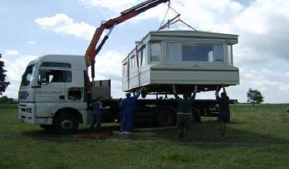 nákladní silniční doprava s hydraulickou rukou