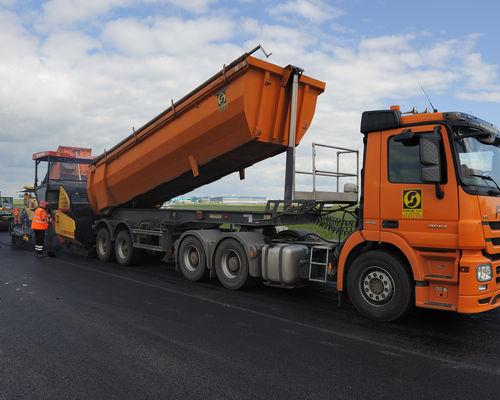Stavební společnost Froněk: Dopravní stavby i prodej asfaltové směsi či drceného kameniva