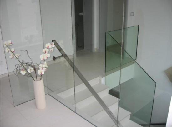skleněné zábradlí a skleněné příčky, ACERA SKLO s.r.o.