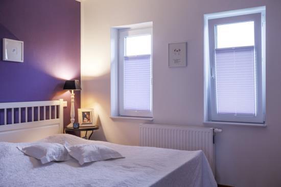 Estores plissé de tela - un complemento práctico y efectivo para sus ventanas