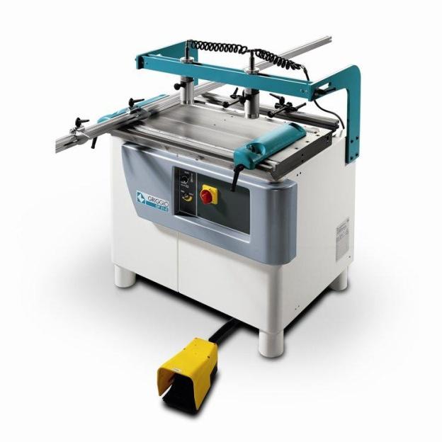 Dřevoobráběcí stroje, kovoobráběcí stroje i další nářadí pro firmy i domácí kutily