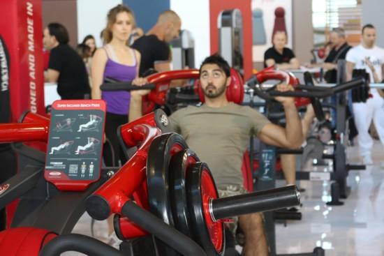 Nejen správné fitness vybavení udělá z návštěvy posilovny zážitek