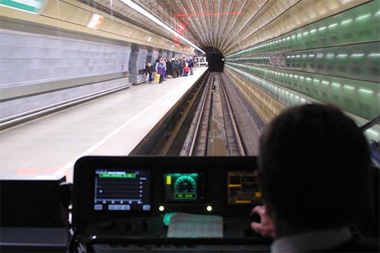 Sofistikované silniční a železniční systémy od AŽD Praha