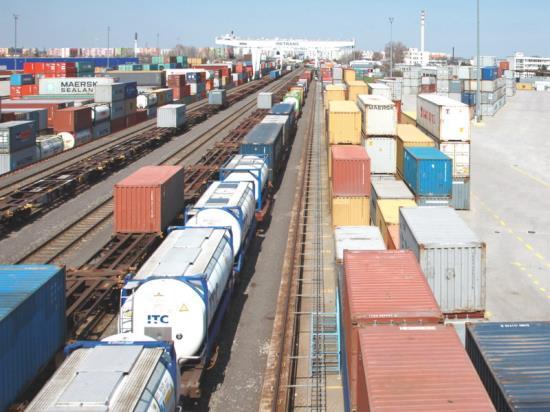 Kontejnery na skladov�n� i p�epravu zbo�� od METRANS