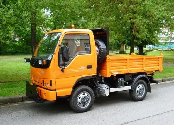 Komun�ln� vozidlo Durso multimobil, pomocn�k p�i svozu odpadu