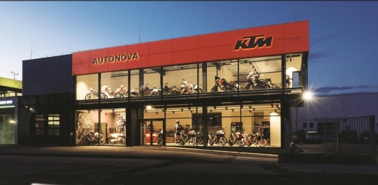 Motocyklov� sez�na je tady a s n� i nov� showroom KTM AUTONOVA