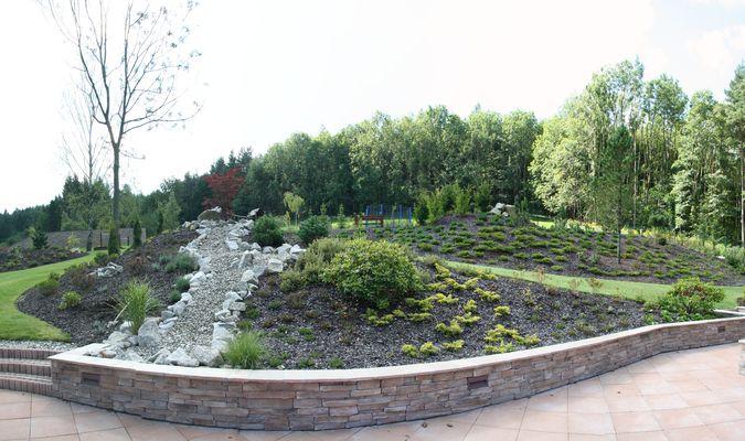 Realizace zahrad od A o Z � zajist�me kompletn� zahradnick� pr�ce i �dr�bu
