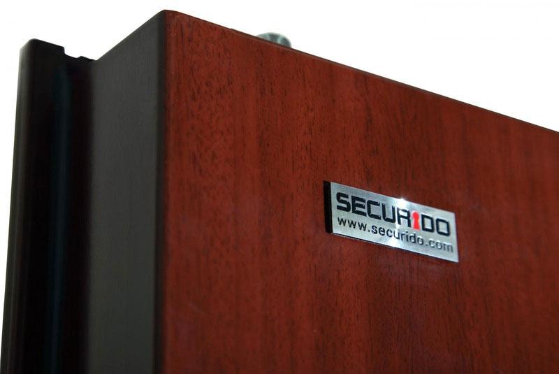 Nejen spolehlivé a odolné, ale i moderní a designové. To jsou dveře Securidoors.