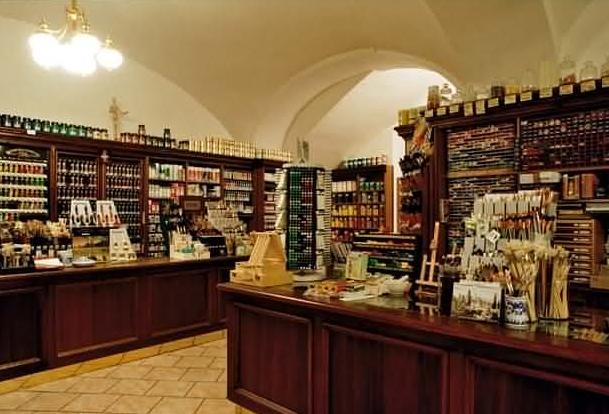 Kvalitní výtvarné potřeby najdete k obchodě Zlatá loď Praha.
