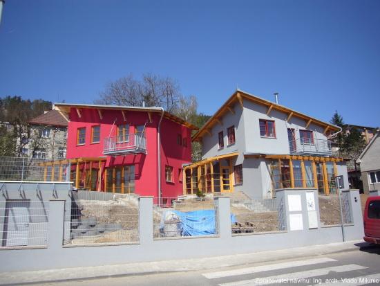 Postaráme se o vše související se stavbou, od plánů až po konečné úpravy.