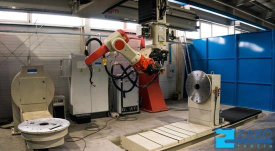 Der Schweißroboter IGM 477-S verbindet zwei Materialien hochwertig und auf Dauer