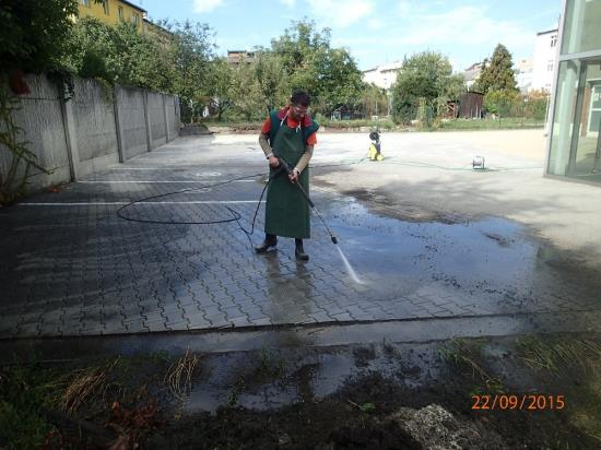 Sv��te svou zahradu a dal�� venkovn� plochy do rukou odborn�k�