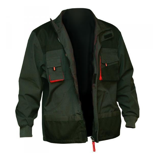 Kvalitní pracovní oděvy a další ochranné pomůcky zajistí bezpečnost při práci.