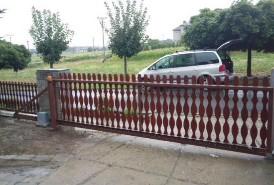 Garážová vrata, posuvné brány, závory i sloupky
