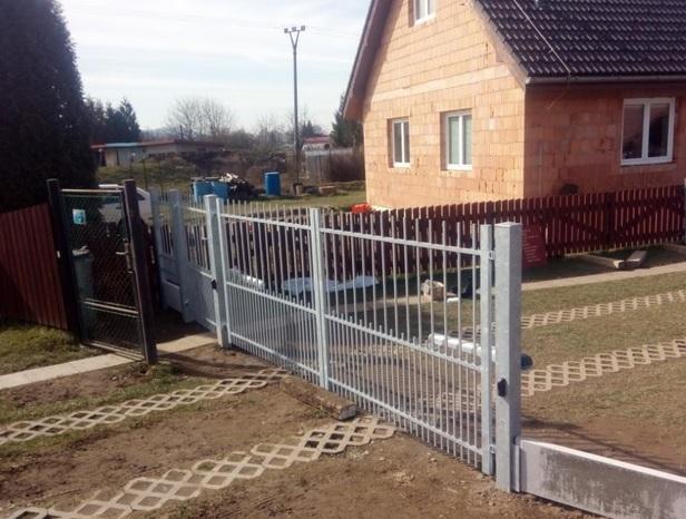 Vrata i brány pro váš pozemek