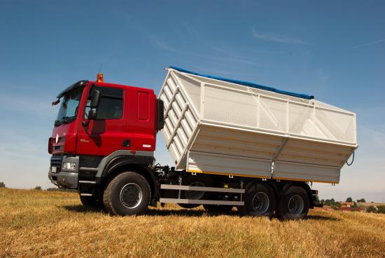 Nosič výměnných nástaveb sníží náklady na přepravu v oblasti zemědělství