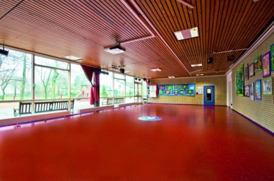 Renovace podlah a ve�ker�ch povrch� prov�d� certifikovan� technici DemaServis