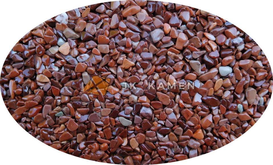 Kamenný koberec se hodí do interiéru i exteriéru, na podlahu, stěnu i strop.