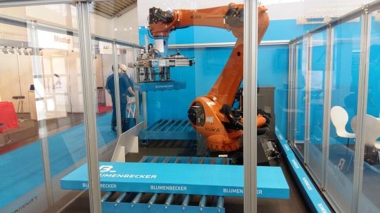 Na veletrhu AUTOMATICA 2016 vzbudilo zájem originální řešení robotického pracoviště Bin Picking od firmy Blumenbecker Prag